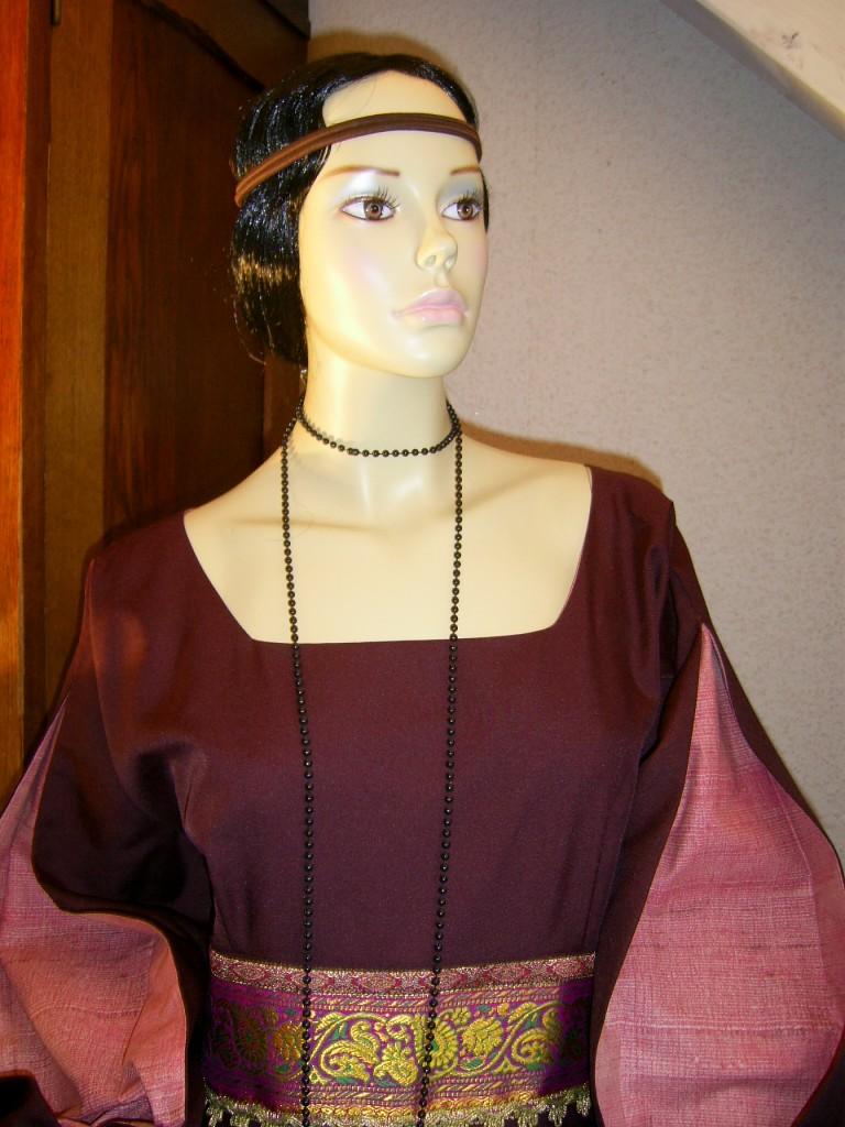 Mittelalterliche Gewände & Historische Kleidungen